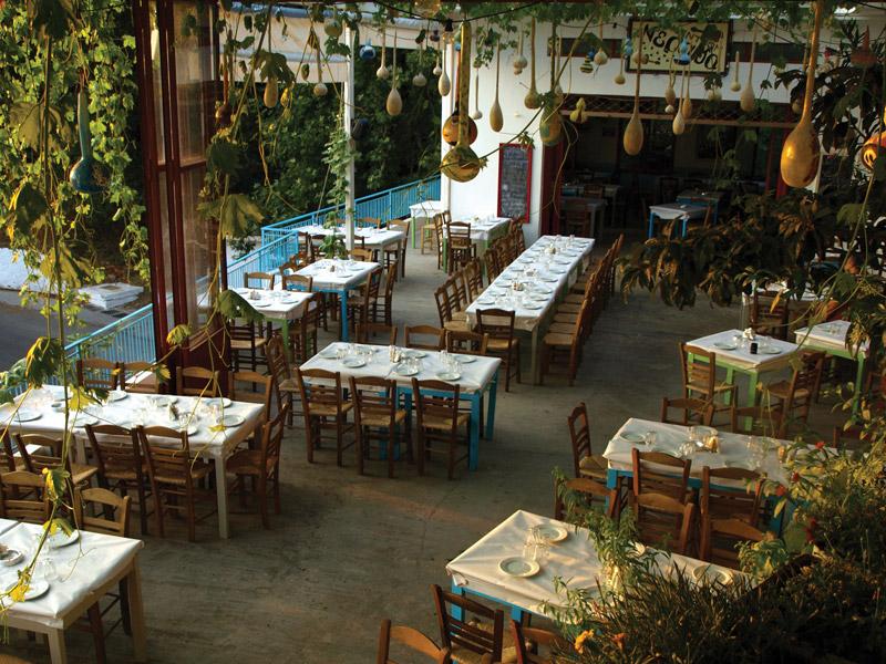"""''Neraida"""" taverna Agios Nikolaos Voion Neapoli Lakonias"""