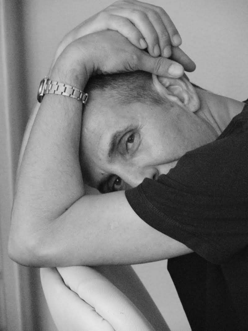 Yiannis Karitsiotis Fashion Designer answers in 9 questions.