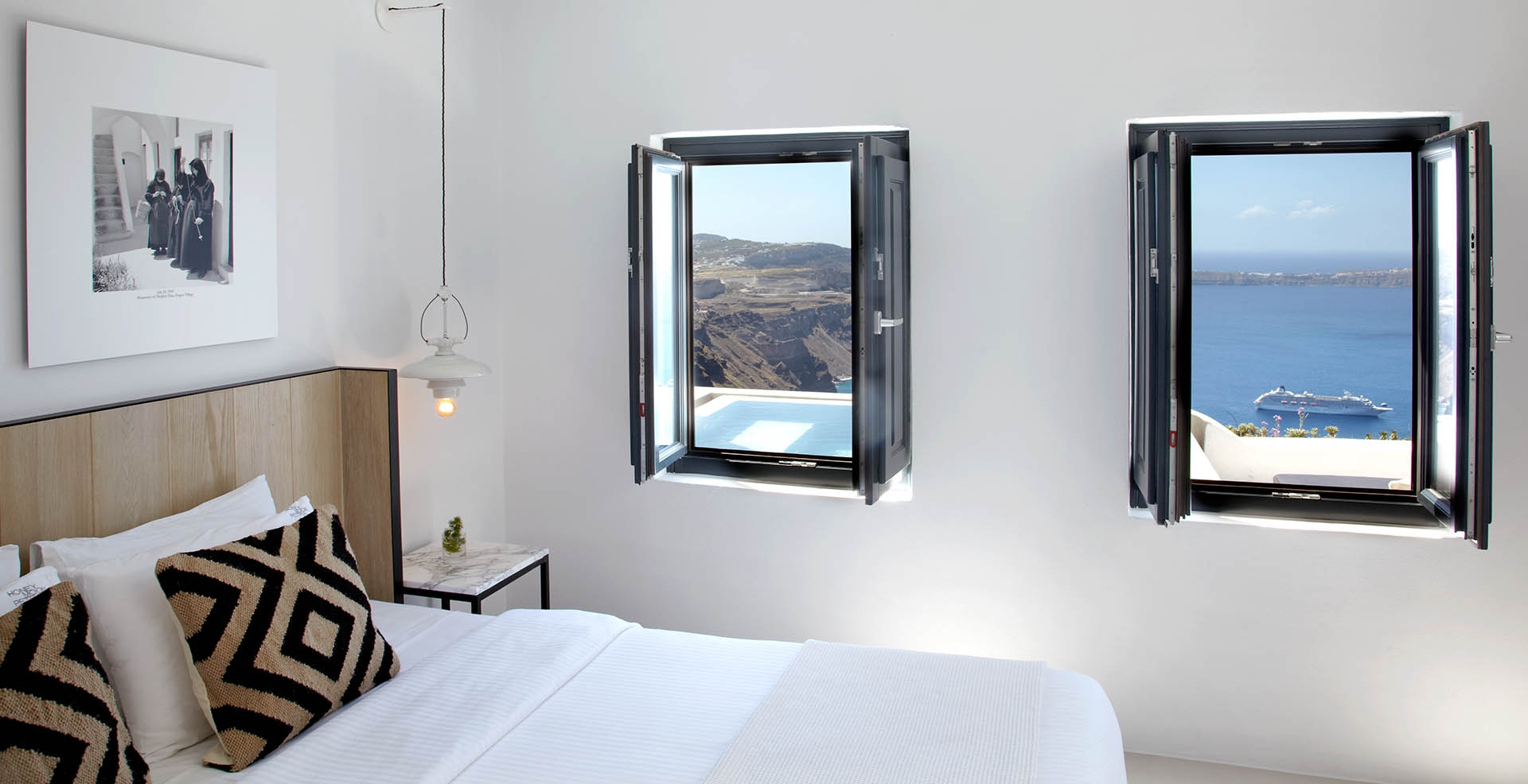''Honeymoon Petra Villas'' -Santorini