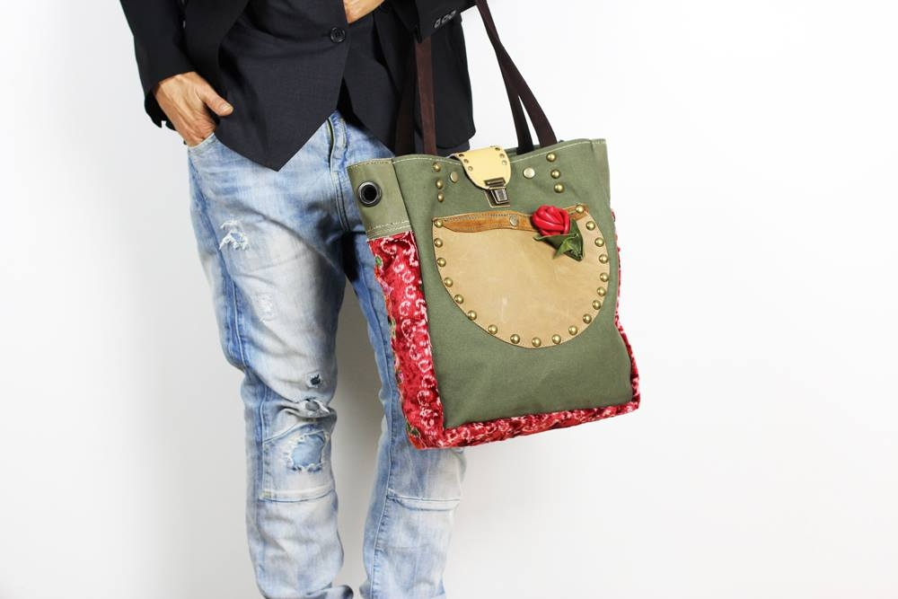 '' Neroli'' handmade leather handbags .