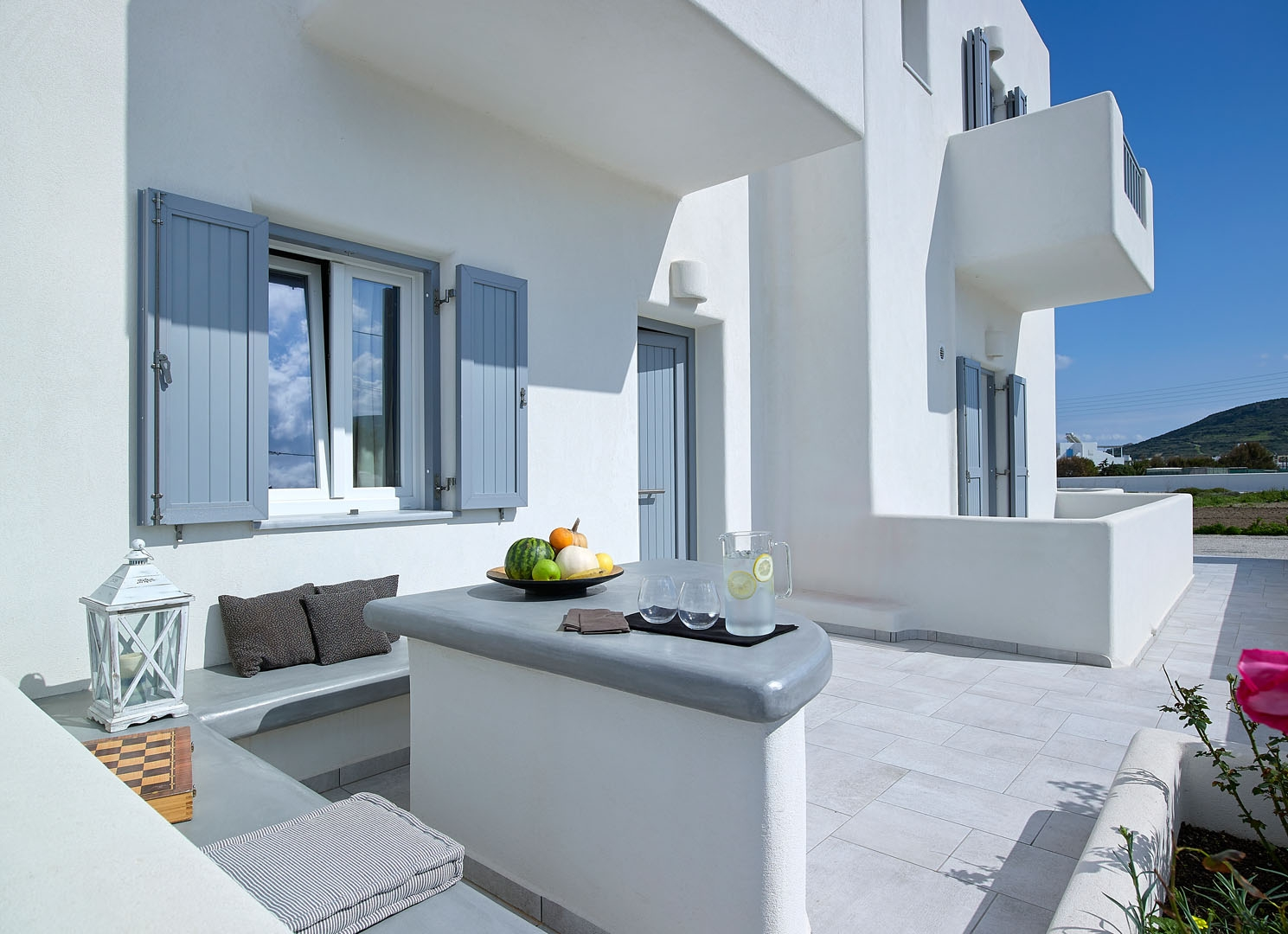 Garifalakis Comfort Rooms / Milos island