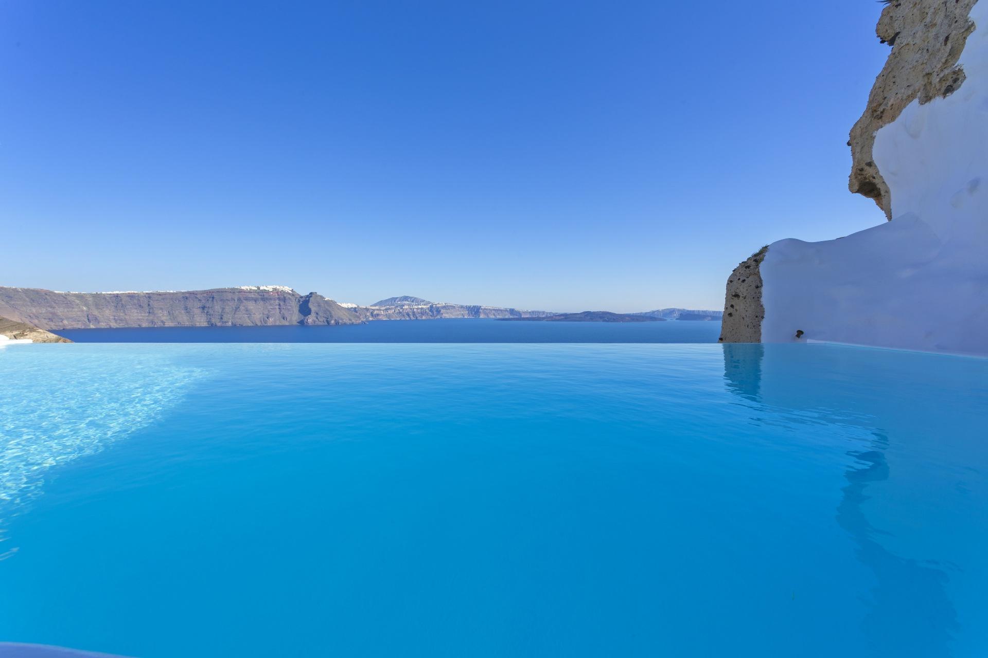 Andronis Exclusive -Santorini Island
