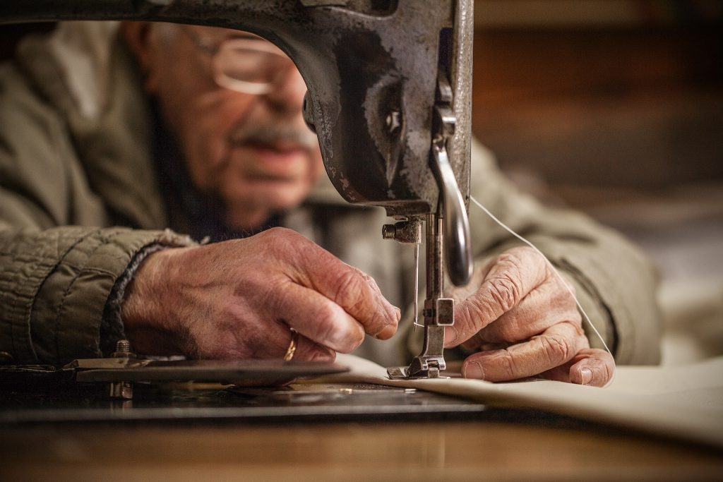 From Hand to Hand. Stories about craftmanship in Greece today.
