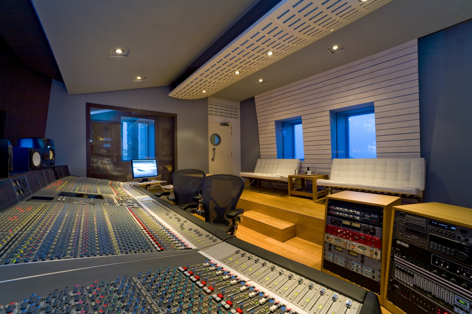 ''Black Rock'' A world class recording studio in Santorini island and a luxury villa.