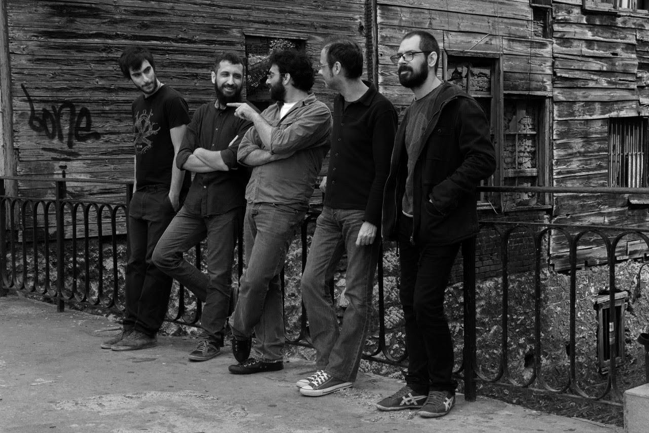 ''Gravitysays_i'' Band.