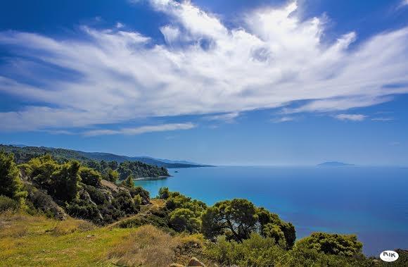 ''Hidden Secrets of Greece'' by Rik Freeman