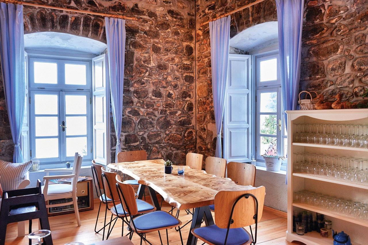 Téchnē Restaurant & Social / Hydra island