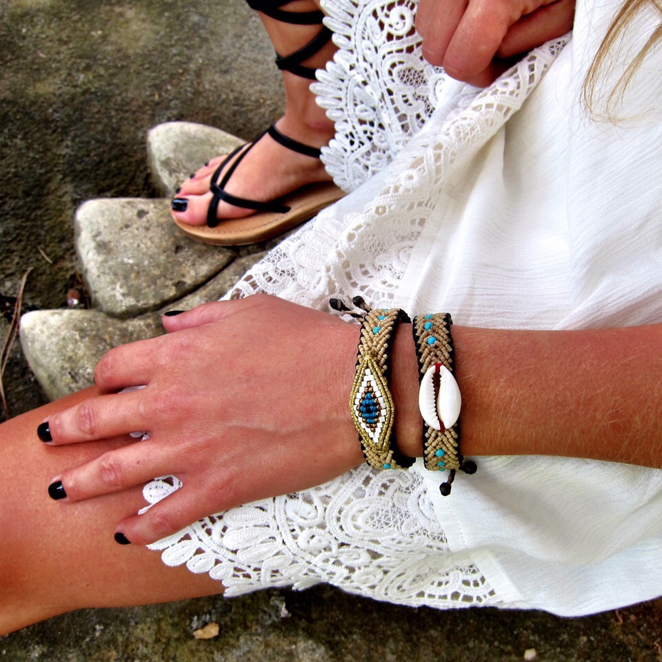 ''Zoe Kompitsi'' Jewellery.